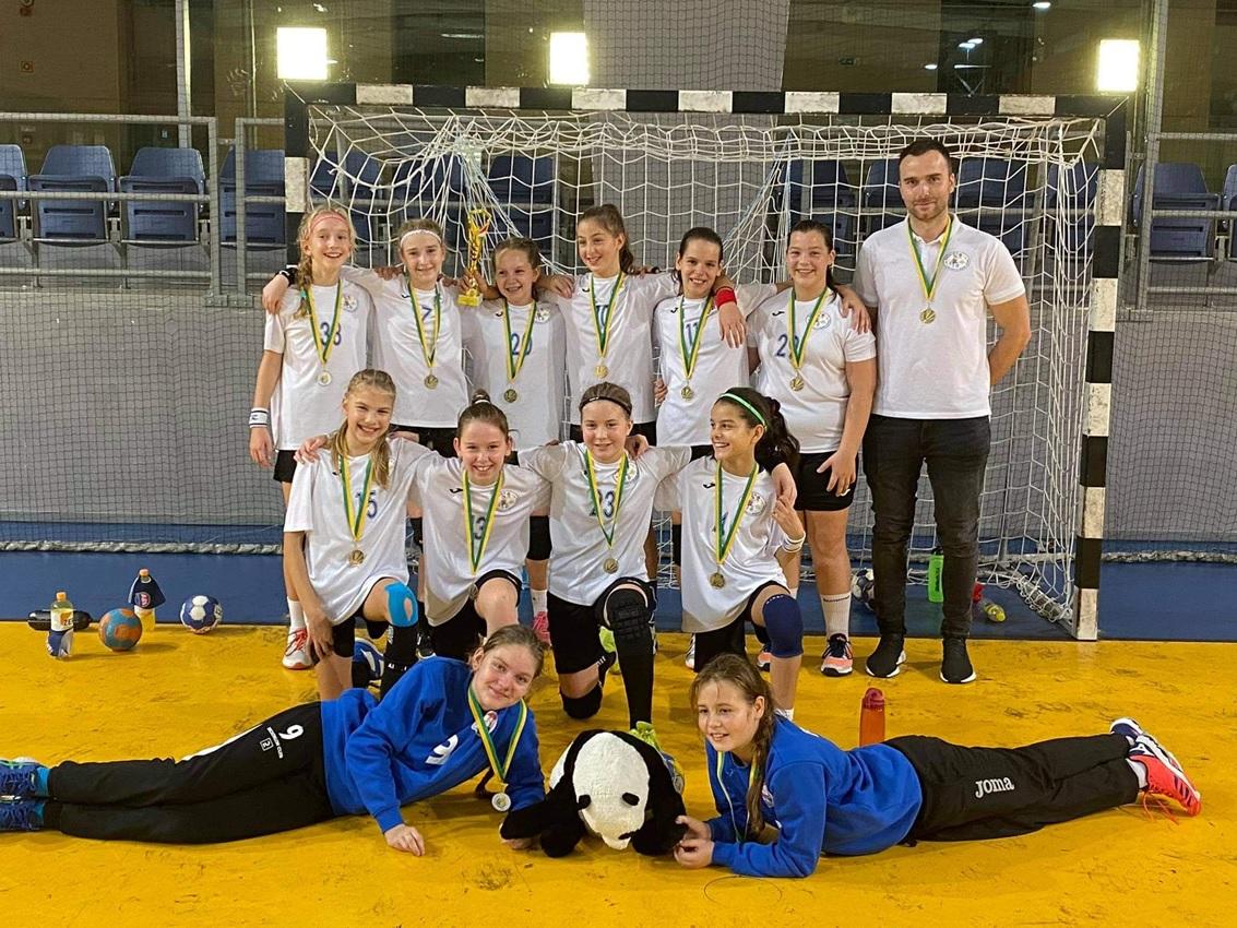 Aranyérmet szerzett az ASI DSE LU12 kézilabda csapata - Üstökös Kupa, Dunaújváros